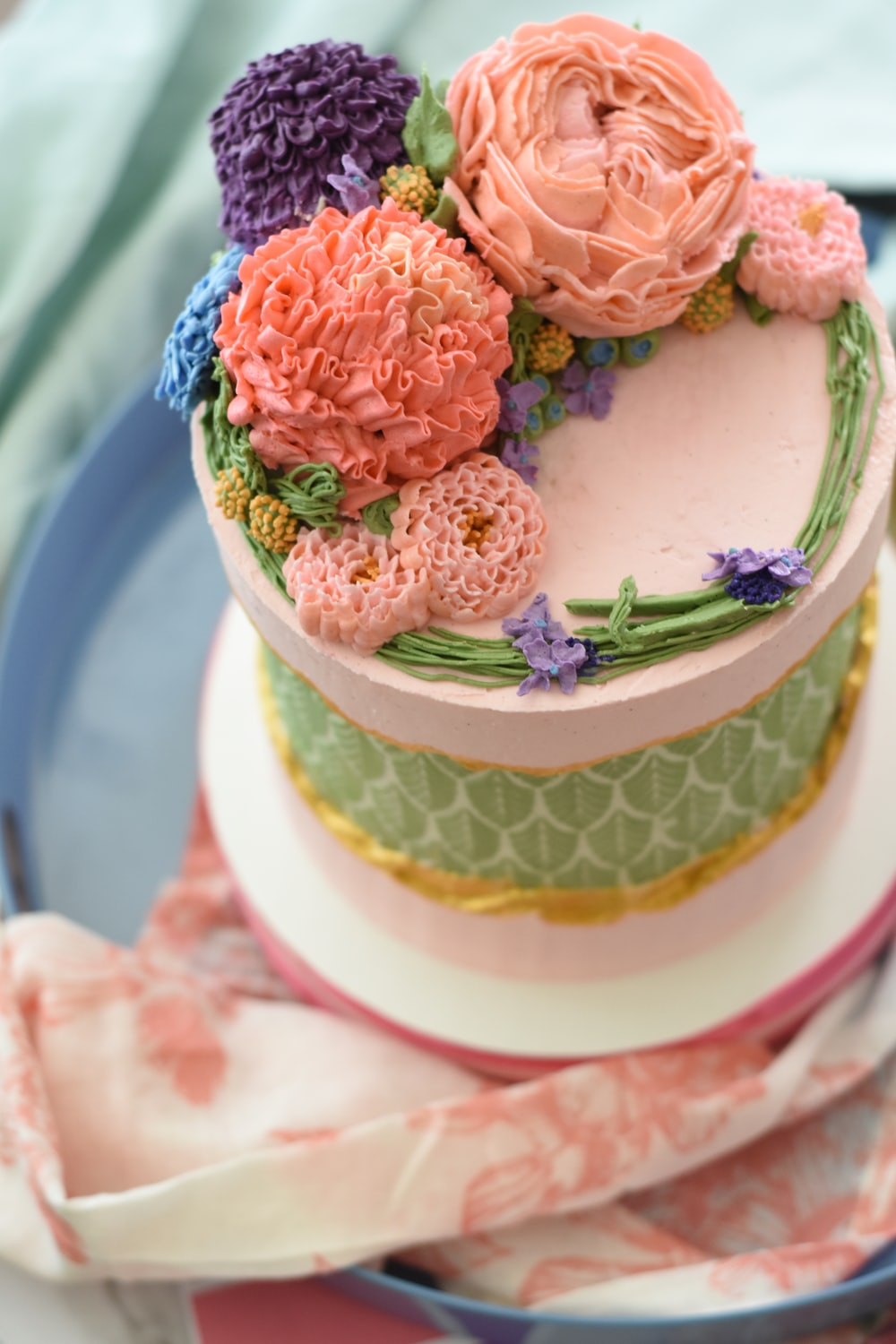 fondant cake with flower toppings