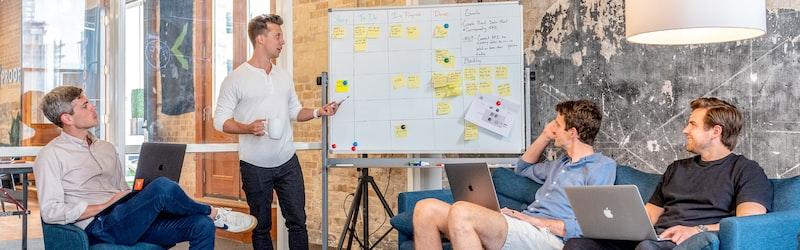 インセンティブ制度の効果や影響。モチベーション向上に繋がる設計方法や導入事例。