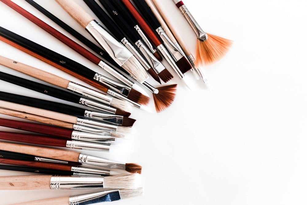 assorted painting brushes