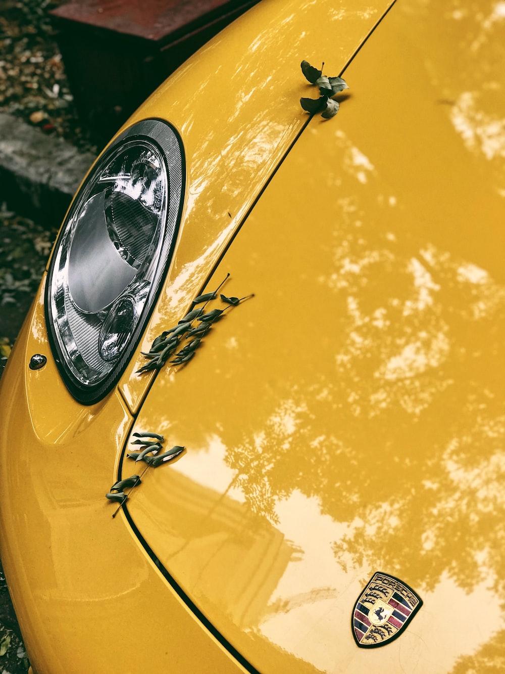 yellow Lamborghini vehicle
