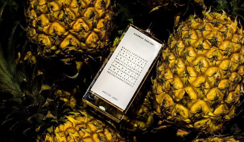 phone on pineapple