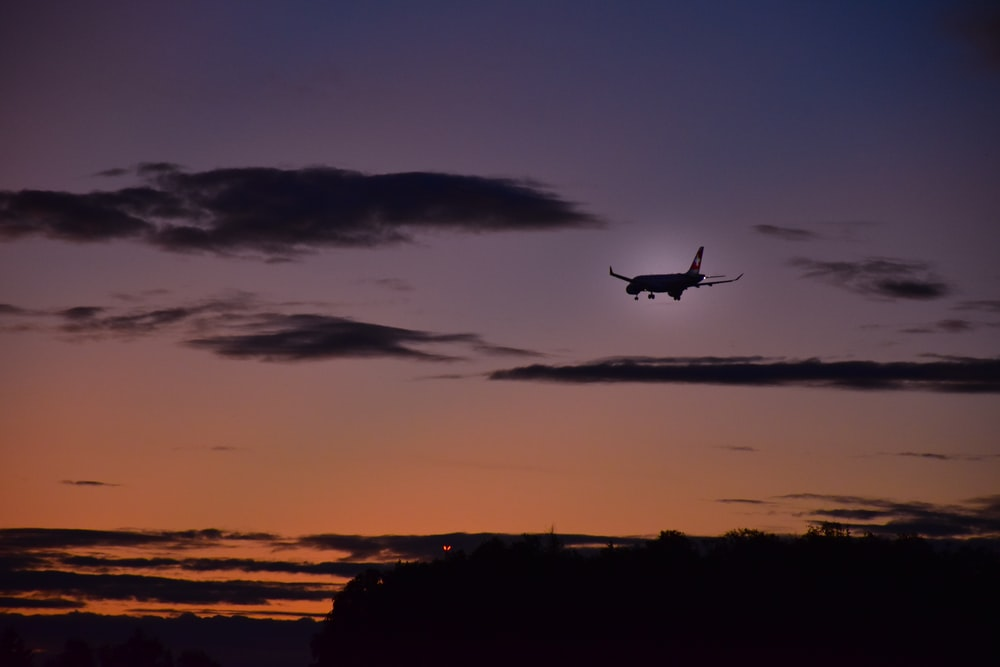 silhouette of airliner