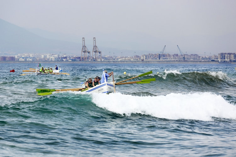 Watersport Activities in Burriana Beach, Málaga