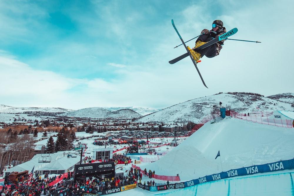 people watching ski blading