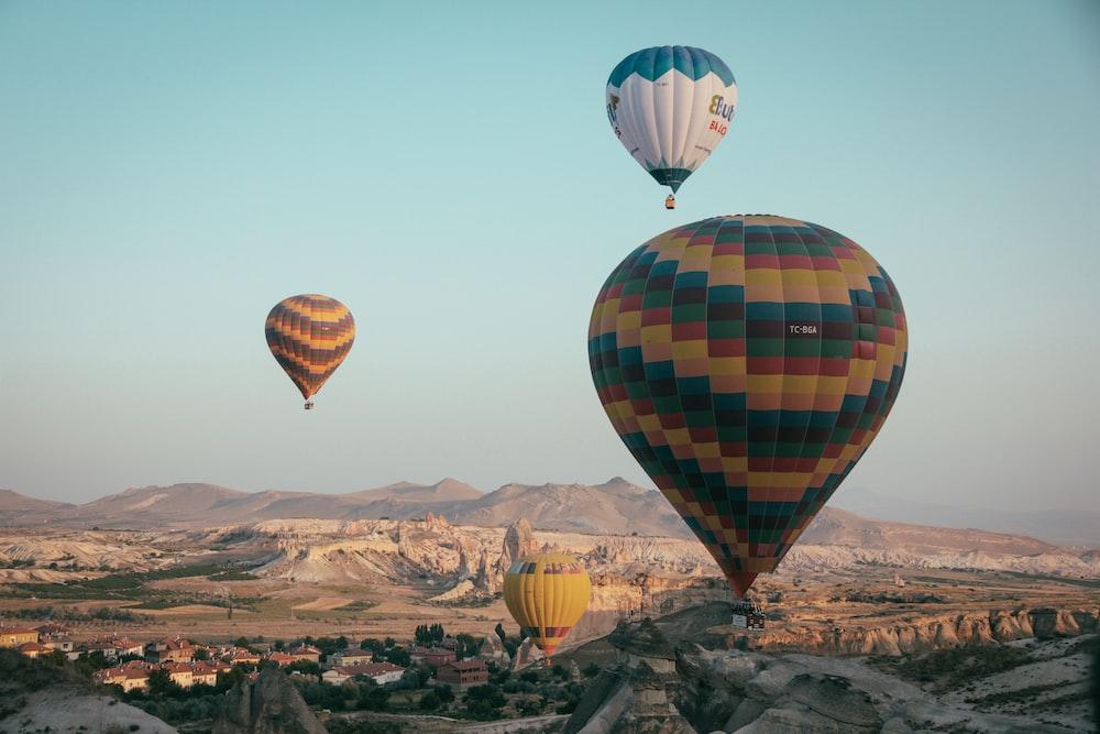 hot air balloon under blue sky