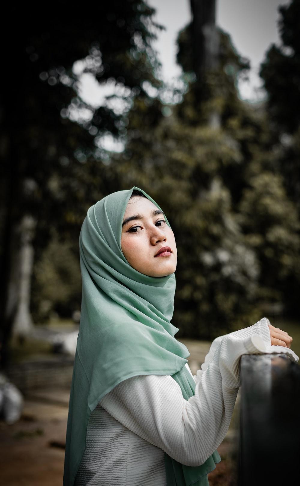 woman wearing grey hijab