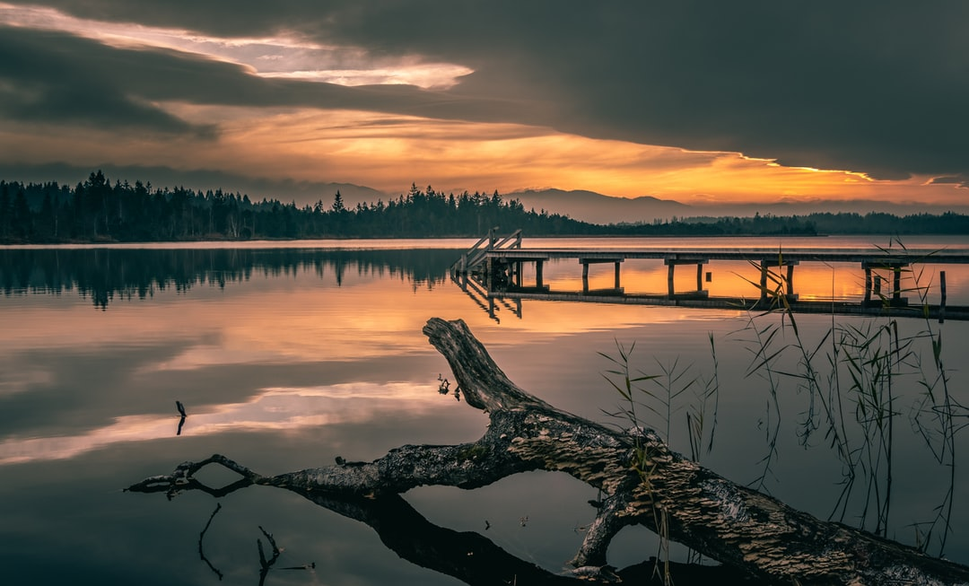 Breathtaking sunset at the Kirchsee in Upper Bavaria. A wonderful atmosphere and an unbelievable peace.