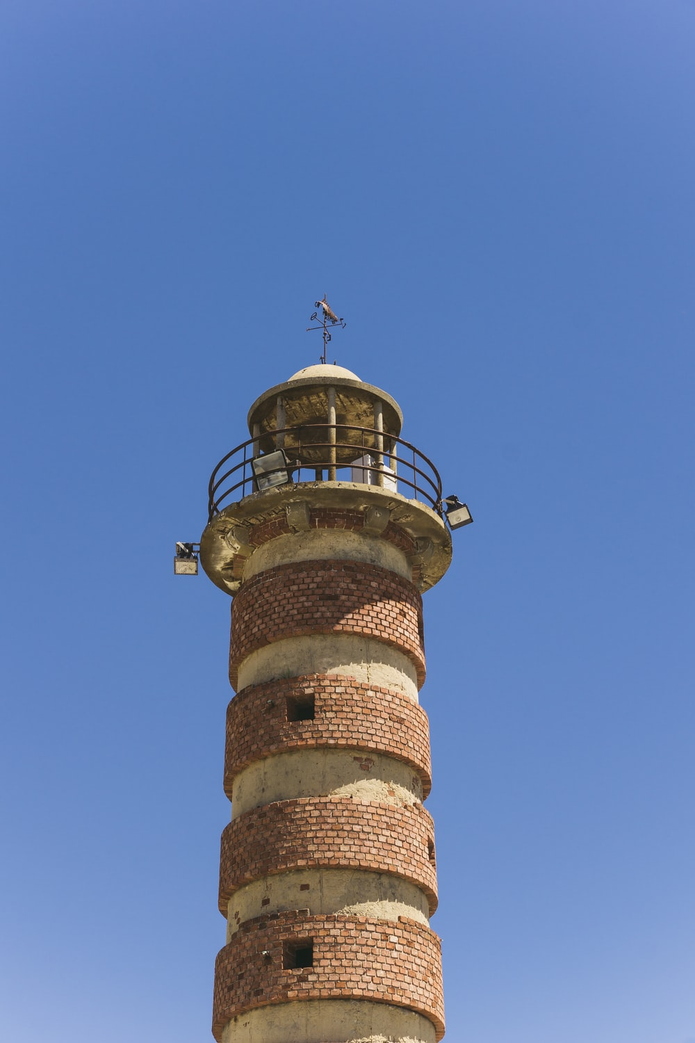 close photography of lighthouse