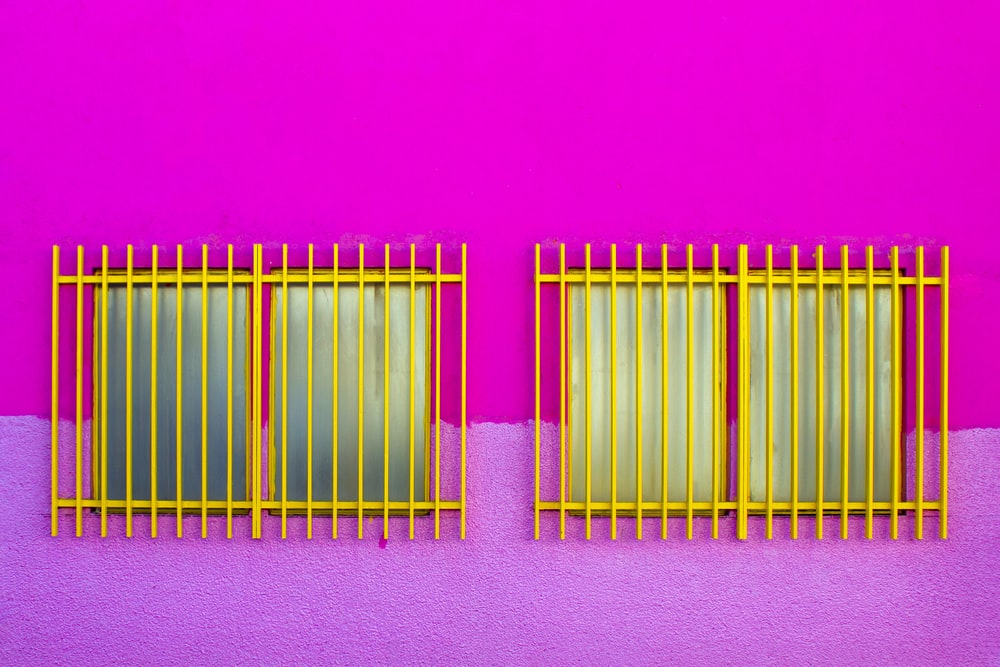 two yellow frames