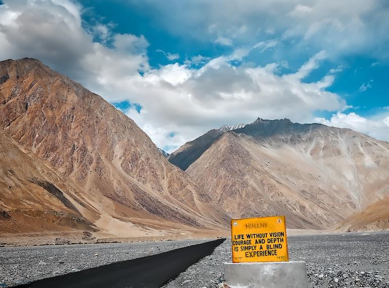 Ladakh Taxi rates