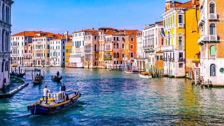 I Visited 10 Countries With $4600 Volume II: Venice, Italy