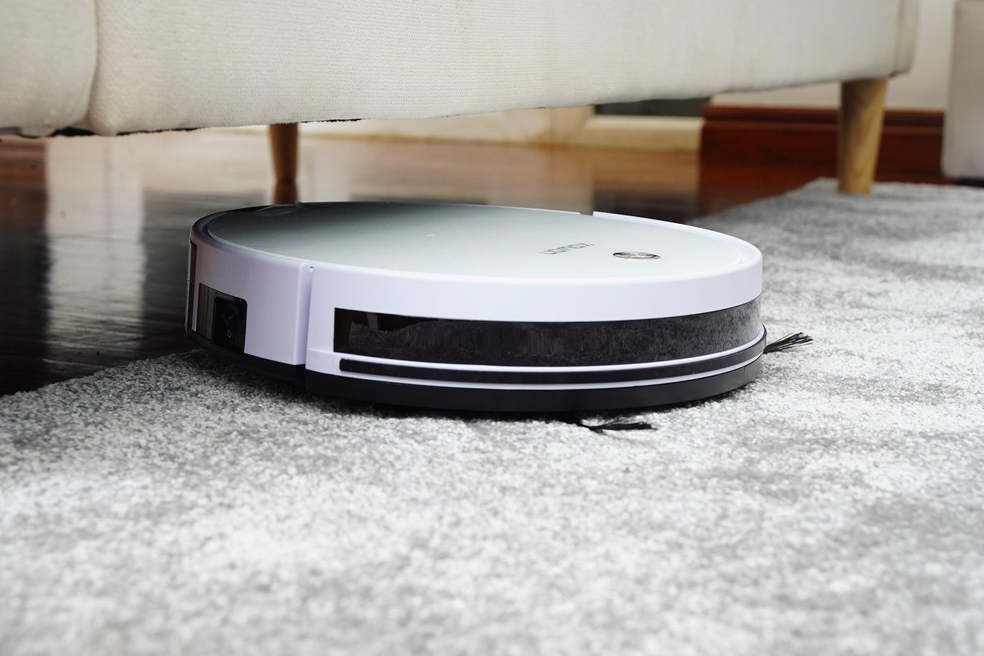 스마트 스피커와 로봇 청소기