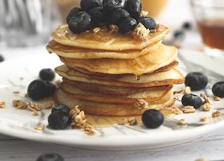pancake with black berries