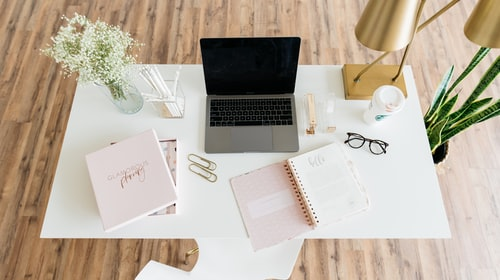 5 WAYS TO DISTRESS WHILST WORKING FROM HOME