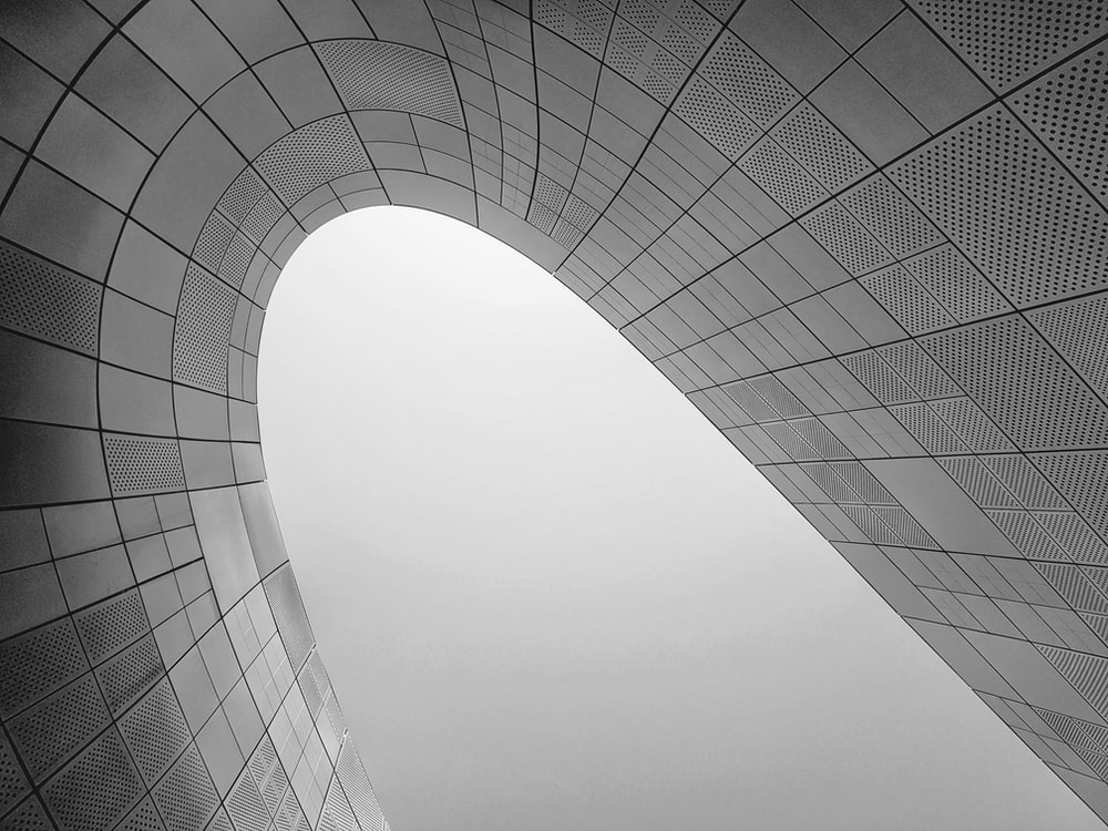 curved glass building