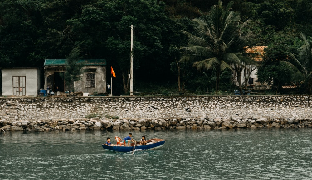 people on canoe