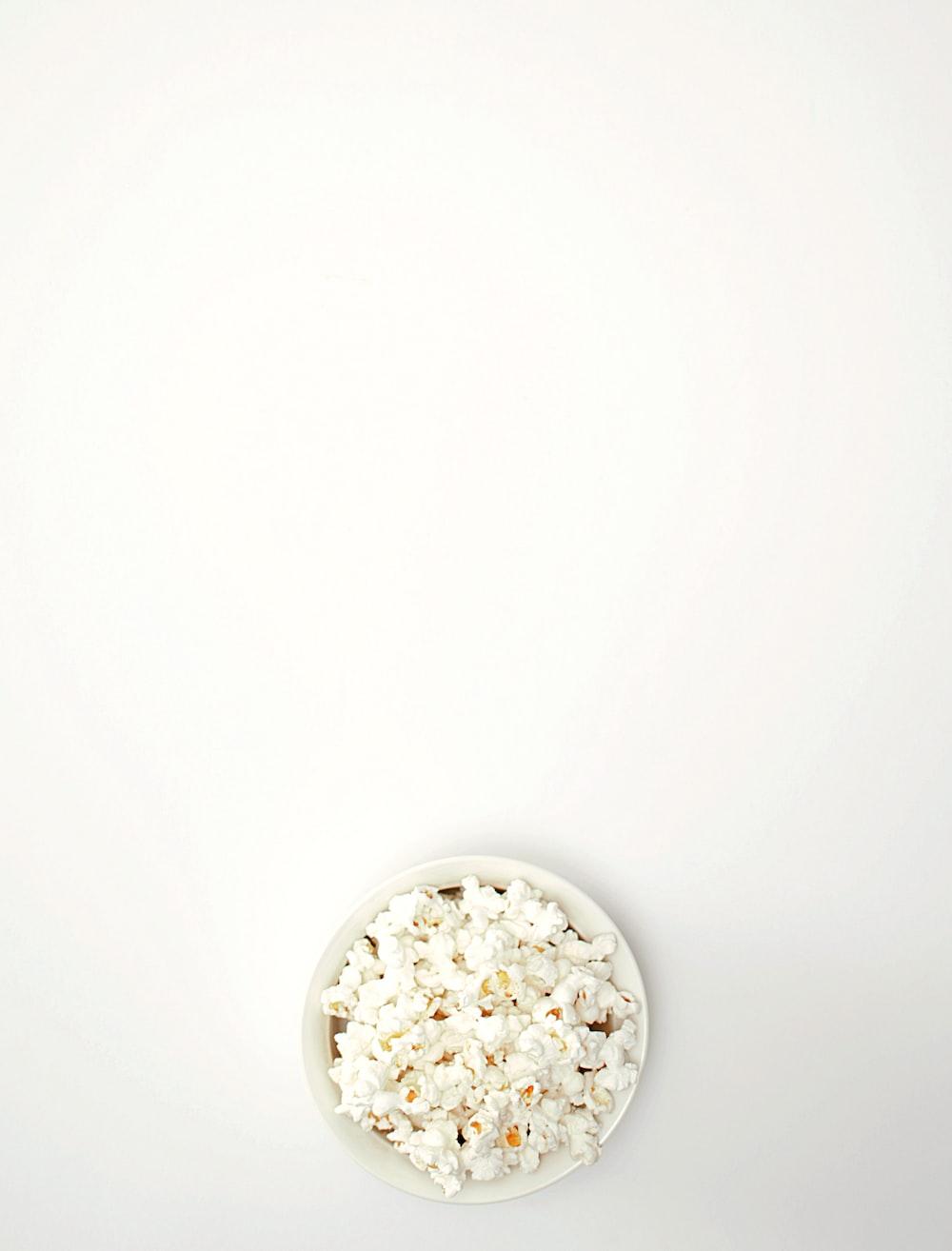 pop corn in bowl