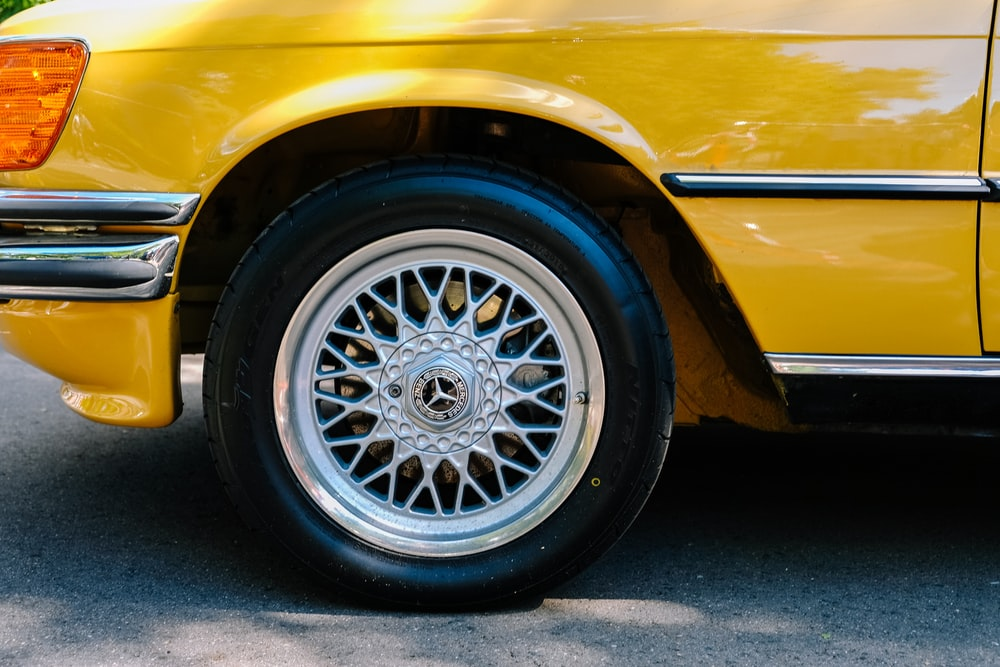 grey Mercedes-Benz wheel