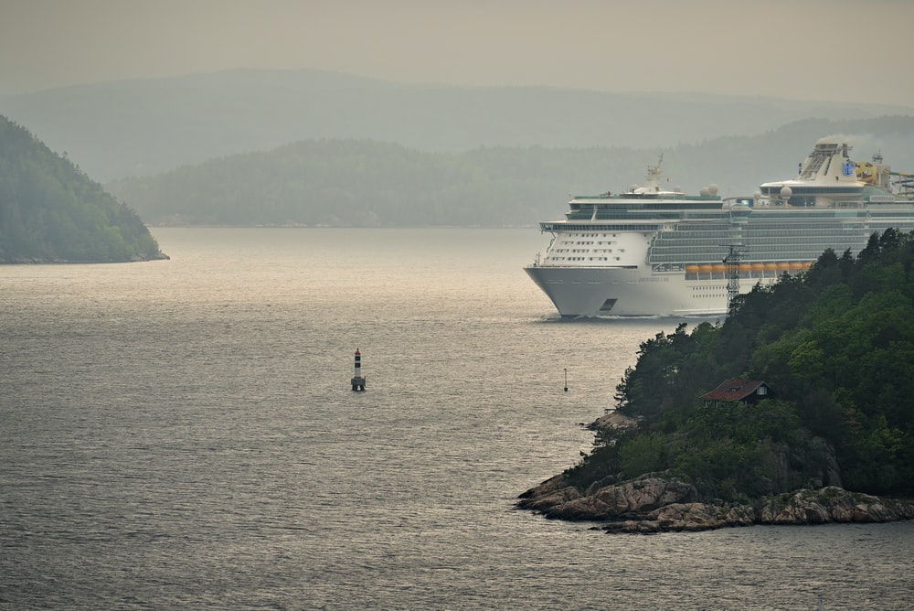 cruise ship between islets