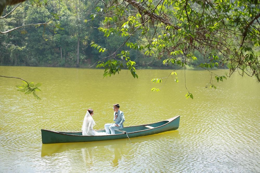 wedding couple on canoe