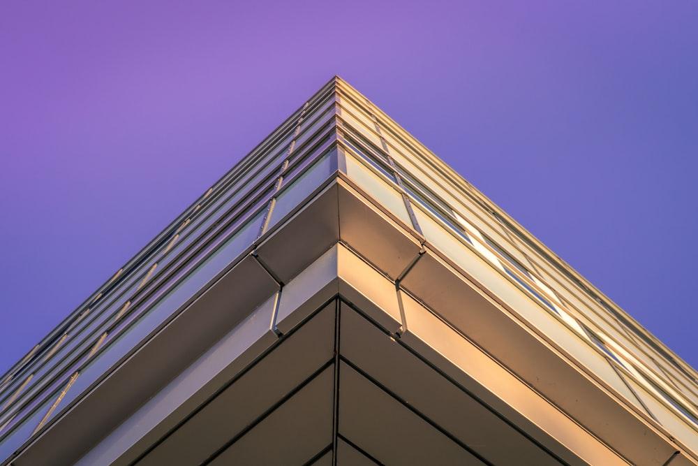 white concrete building close-up photography
