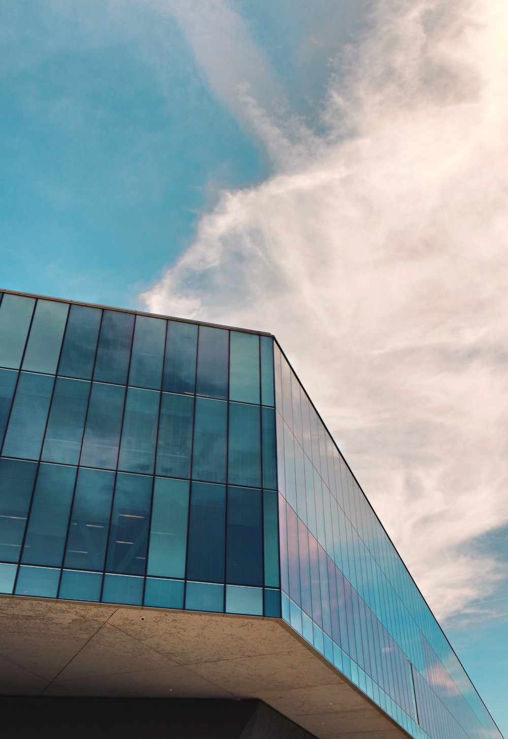 clear curtain wall during daytime