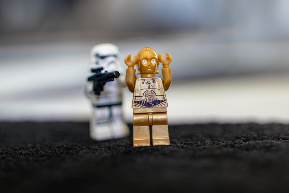 two Star Wars minifigs