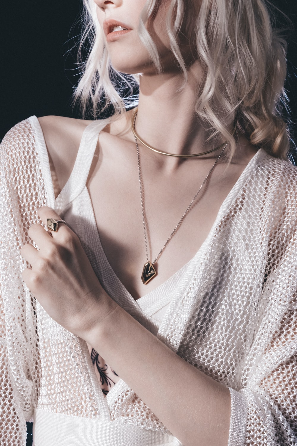 Why A Silver Necklace Is A Good Choice For A Fashion Statement?