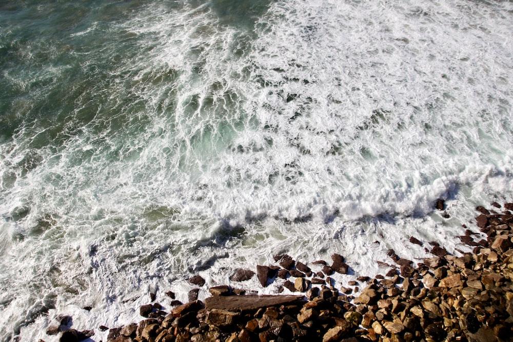 aerial photo of ocean waves
