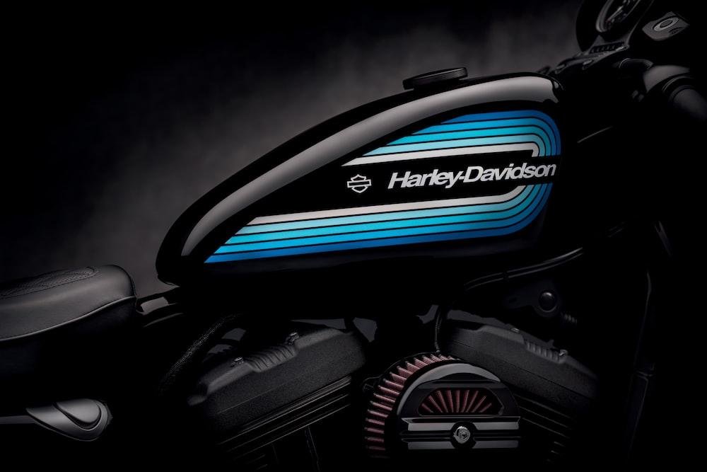black Harley-Davidson motorcycle wallpaper