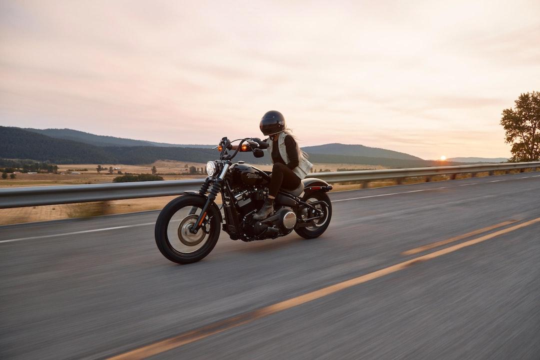 Man On Black Cruiser Motorcycle In Highway - unsplash
