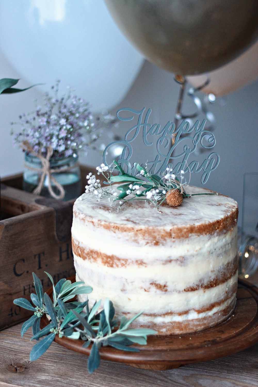 round white cake