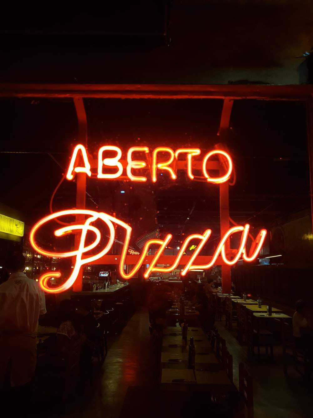 red Aberto Pizza signage