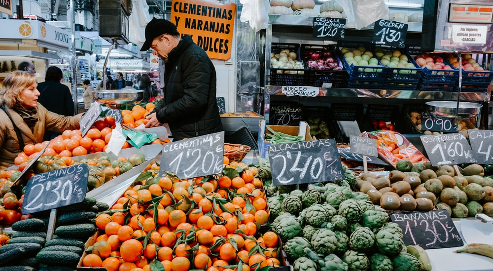man standing near vegetables photo – Free Market Image on Unsplash