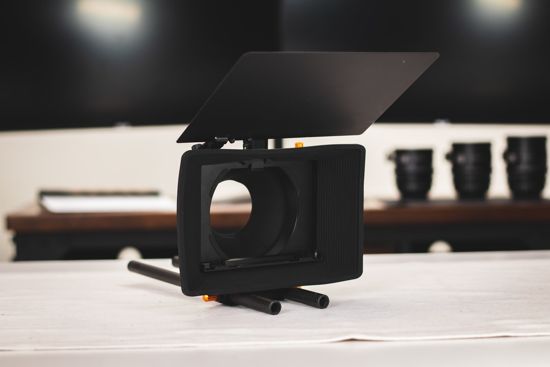 The ultimate, light-weight matte box with Carbon Fiber Top Flag, Black Hole Donut, and a tilting filter trey as well as adapters for 15mm and 19mm rods. The Bright Tangerine Misfit Atom is available for rent for just $60/day.