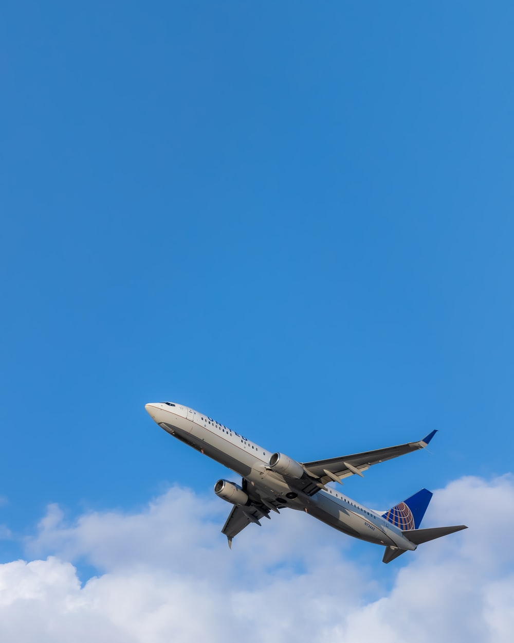 gray and blue airplane