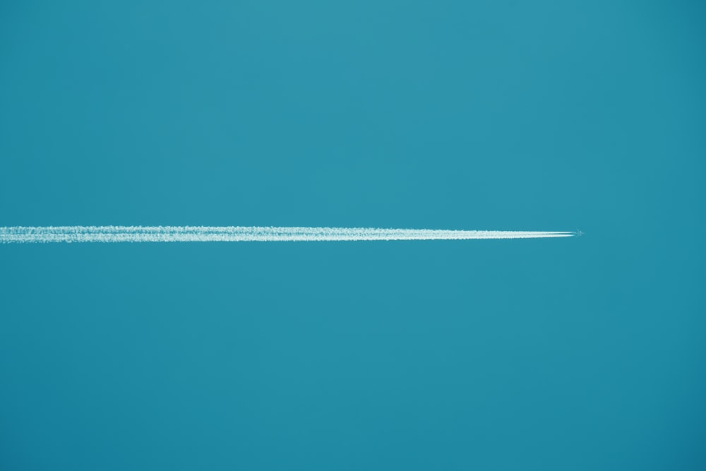 airplane ;line