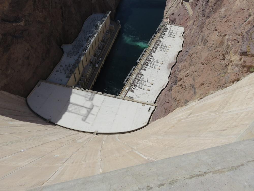 concrete water dam