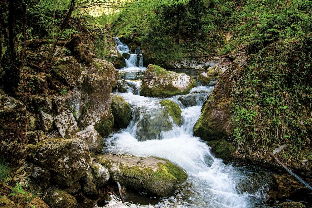 flow of water during daytime