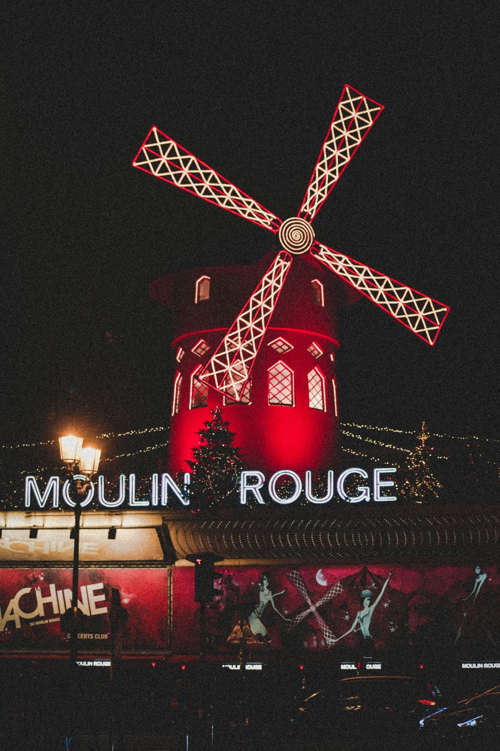 Moulin Rouge tavern