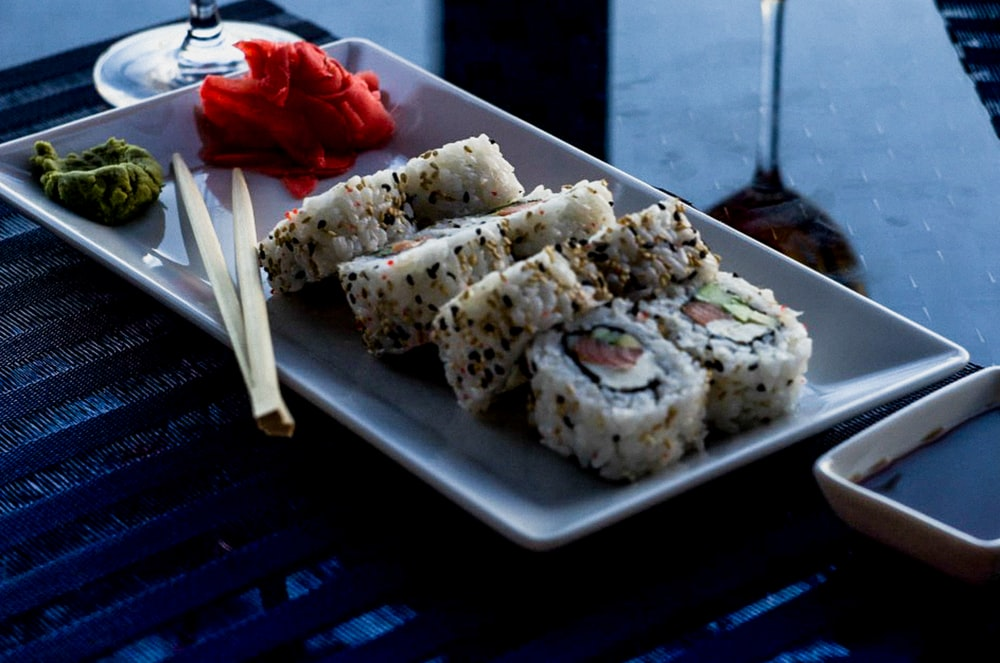 sushi on rectangular plate