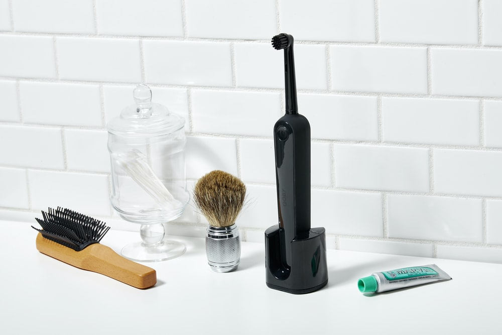 black electric toothbrush