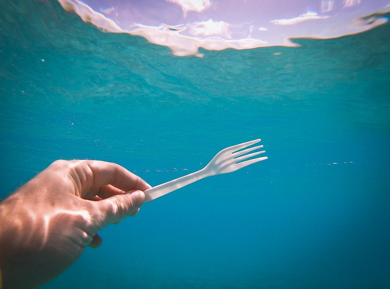澎湖減塑輕旅行 飲水機及智慧資源回收機啟用