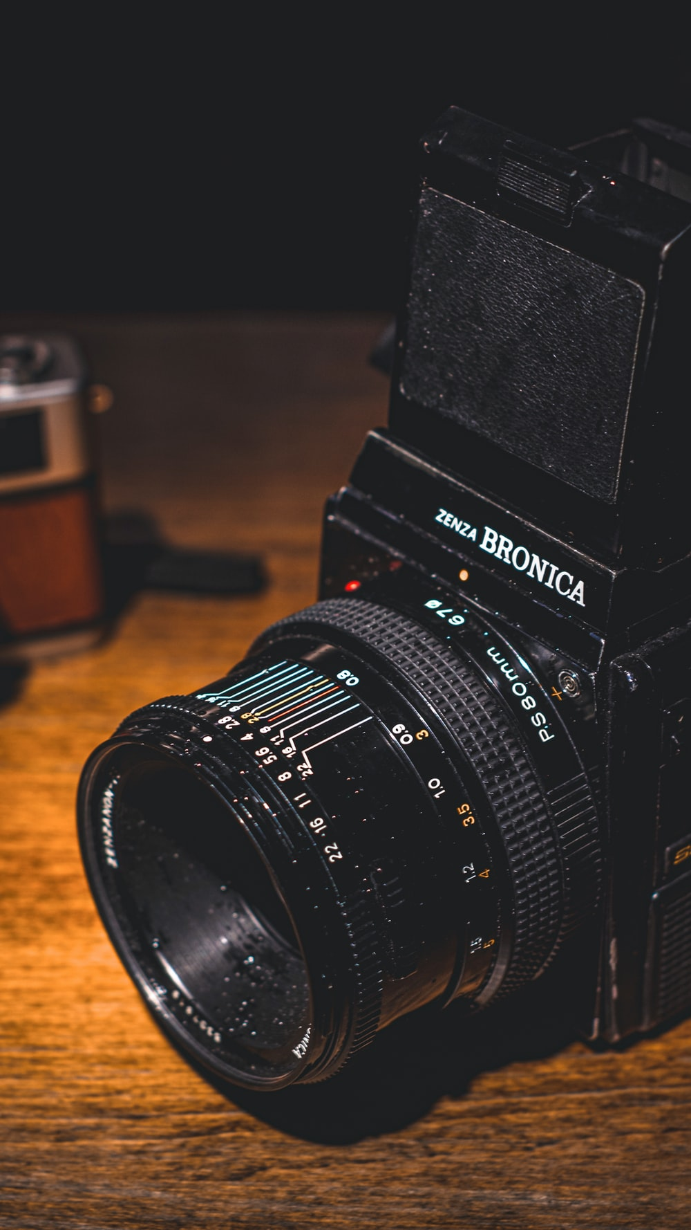 shallow focus photography of Bronica camera
