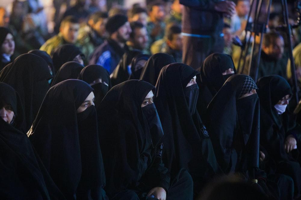 women wearing black niqab