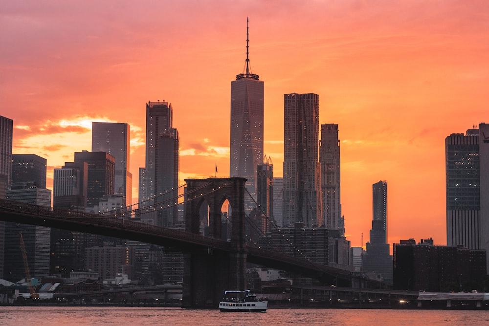 selective focus photography of Brooklyn bridge