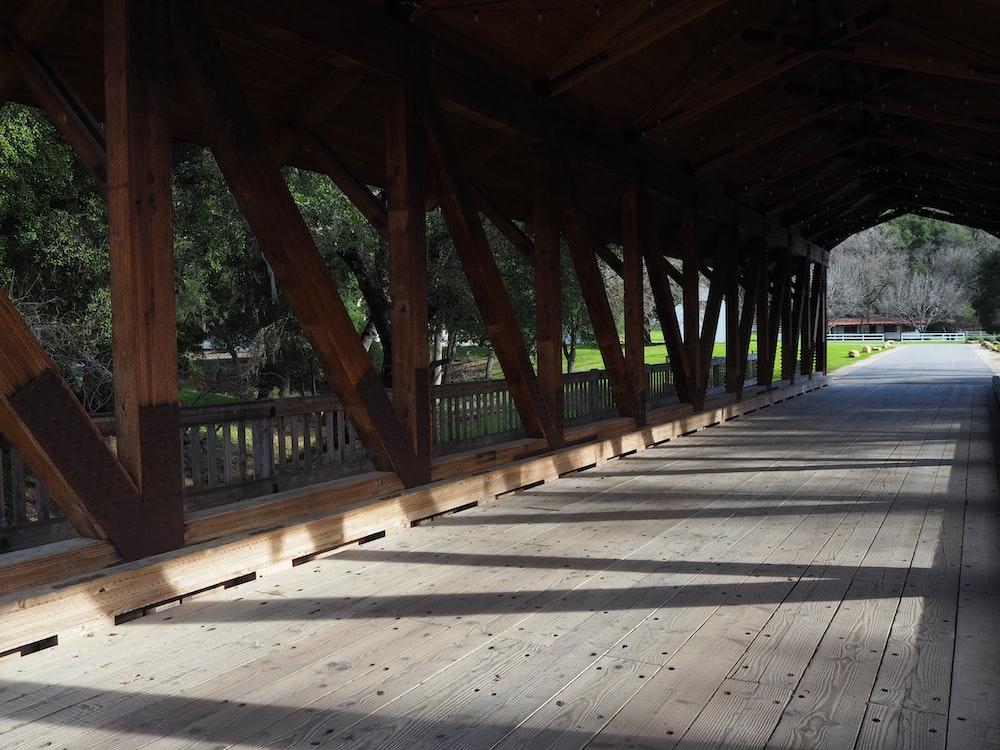 closeup photography of bridge during daytime
