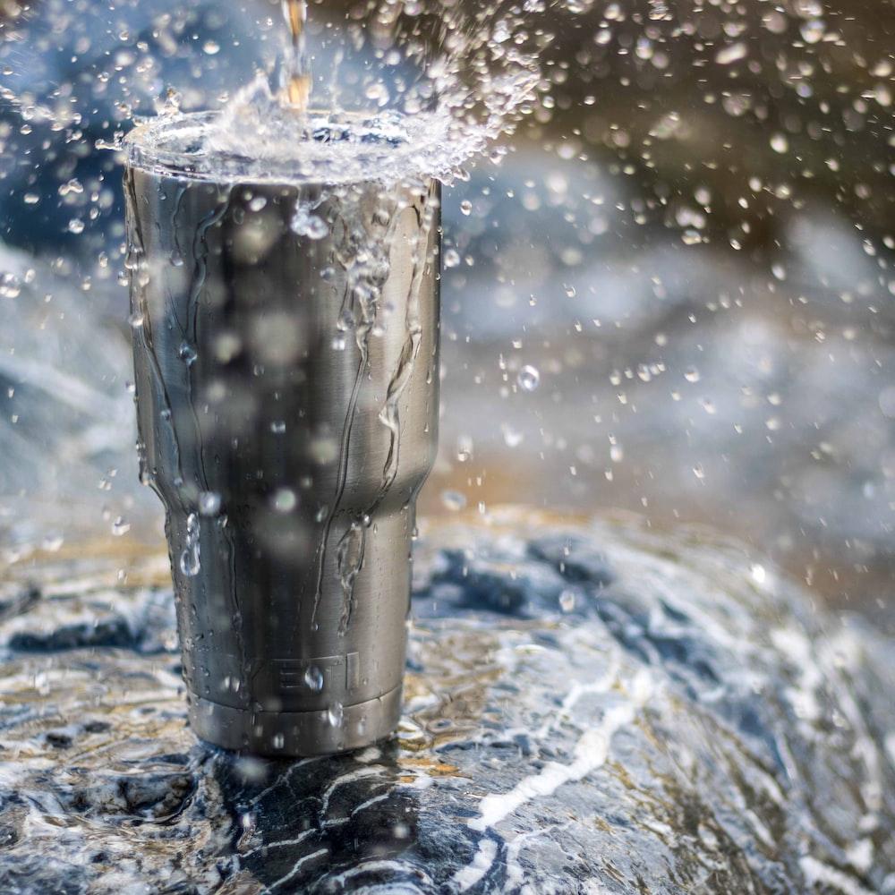 water drops on travel mug