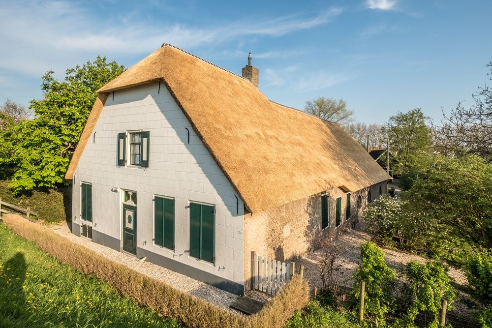Old farm house built in 1690! Now it     | HD photo by