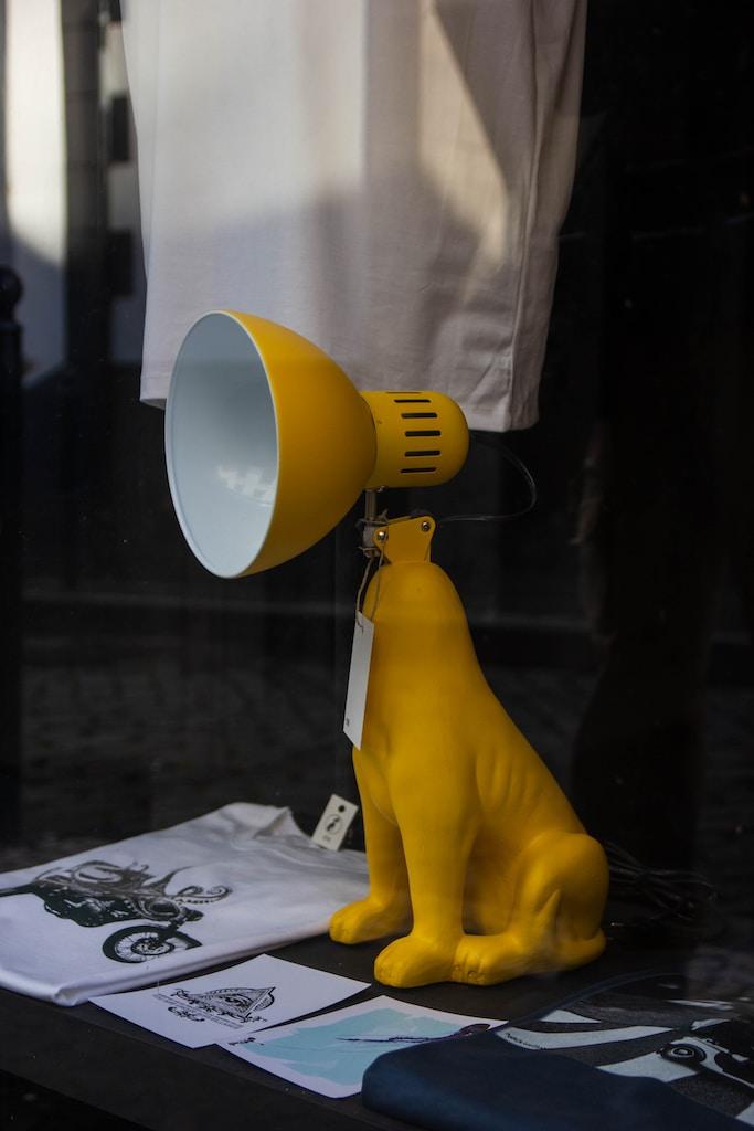 yellow dog table lamp